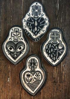 Wood carvings by deerjerk.
