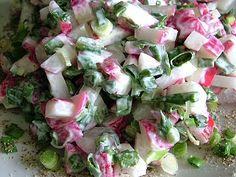 surówka z rzodkiewki: rzodkiewka, ogórek, szczypiorek, ew. sałata, majonez, sól, pieprz