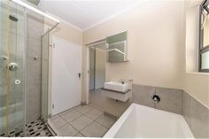 2 Bedroom Apartment / flat for sale in Lonehill - Fountain Road - P24-108547313 2 Bedroom Apartment, Dream Apartment, Flats For Sale, Fountain, Water Fountains