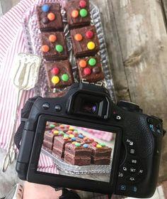 Saftig, sukkerfri sjokoladekake med dobbel glasur - LINDASTUHAUG Nintendo Consoles, Gluten, Baking, Bakken, Backen, Sweets, Pastries, Roast