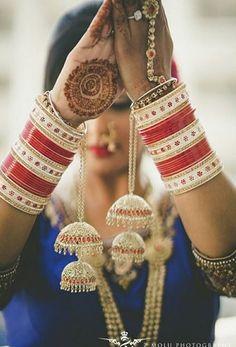 Bridal chura!  #IndianWedding #bride #chura #TheWedKnock