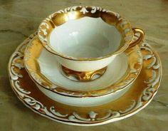 Šálek na čaj trio * bílý porcelán se zlatým okrajem.
