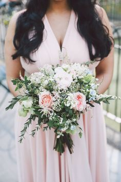 Bouquet: Julia Testa + Photography: OLLI STUDIO Read More on SMP: http://www.stylemepretty.com/tri-state-weddings/2016/06/02/amazing-photography-from-olli-studio-a-wedding-package-giveaway/