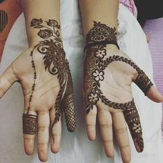 We have got a list of top Arabic Mehndi designs for Hand. You can choose Arabic Mehndi Design for Hand from the list for your special occasion. Arabian Mehndi Design, Palm Mehndi Design, Peacock Mehndi Designs, Simple Arabic Mehndi Designs, Henna Art Designs, Mehndi Designs For Girls, Mehndi Designs 2018, Mehndi Designs For Beginners, Stylish Mehndi Designs