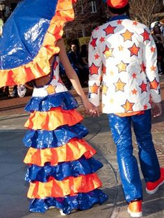 They must have madde these duct tape prom outfits for that schoolarship thing! But awesome Check out the website for Prom Outfits, Prom Dresses, Duck Tape Dress, Duct Tape Clothes, Pretty Dresses, Awesome Dresses, Duck Tape Crafts, Balloon Dress, Funky Fashion