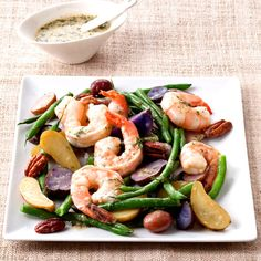 String Bean and Fingerling Potato Salad with Shrimp - 24 Healthy Shrimp Recipes - Health Mobile Shrimp Dishes, Shrimp Recipes, Salad Recipes, Entree Recipes, Main Dish Salads, Main Dishes, Side Dishes, Fresh Potato, Fingerling Potatoes