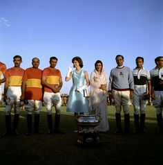 At a polo match during her trip to India. | 31 Flawless Photos Of Jackie Kennedy - BuzzFeed News