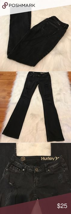 """HURLEY DESTROYED SKINNY JEANS Cute and trendy! Great pre-owned condition, 97% cotton, 2% spandex. Size: 1 (juniors) color: black, approximately 30"""" length inseam. No trades, offers welcome. 0172221000 Hurley Jeans Skinny"""