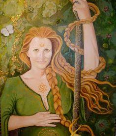 Brighit: Deusa tríplice de origem irlandesa, era filha de Dagda. [Nasceu junto com o sol no dia 01 de fevereiro, daí sua festa ser comemorada nesse dia, em Imbolc. Deusa do fogo sagrado, da lareira, da forja, poesia, sabedoria, cura e maternidade].