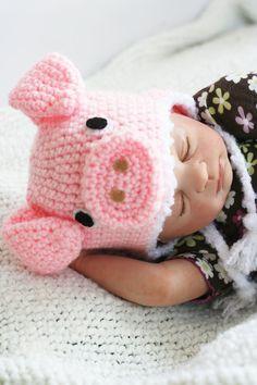 Crochet Light Pink Little Piggy Hat (Newborn) Crochet Baby Hats, Crochet For Kids, Crochet Toys, Knitted Hats, Knit Crochet, Loom Knitting, Baby Knitting, Knitting Patterns, Crochet Hat Patterns