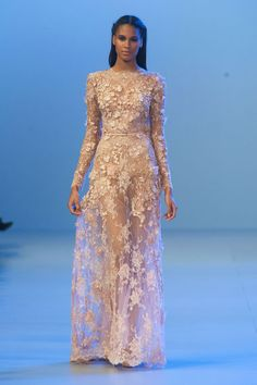 Elie Saab – Haute Couture Spring /  Summer 2014. Fotos © Imaxtree. #dress #eliesaab #elle_de