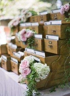 Card catalog seating cards via A Wedding by the Book: Details to Make the Perfect Literary Celebration - bookriot Wedding Events, Our Wedding, Wedding Coordinator, Wedding Vintage, Wedding Book, Wedding Tips, Trendy Wedding, Perfect Wedding, Rustic Wedding