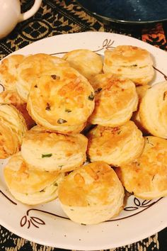 By layering and folding the cheese into the dough, à la puff pastry, Chef John gets all the cheesy flavor without making the biscuit too dense. Flakey Biscuits, Irish Bread, Wine Dinner, Pastry Blender, Irish Recipes, Biscuit Recipe, Quick Bread, Bread Recipes, Kitchens