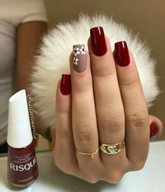 nails - Não fique fora da moda, veja essa dica e ligada nas tendência de lindas unhas! Cute Acrylic Nails, Glitter Nails, Cute Nails, Hair And Nails, My Nails, Nails Polish, Burgundy Nails, Pretty Nail Art, Nagel Gel