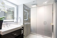 http://retaildesignblog.net/2017/01/10/pan-pacific-hotel-by-mcm-interiors-vancouver-bc-canada/