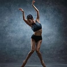 Amazing shot of by 🌹 . Alvin Ailey, Dance Pictures, Dance Photography, Ballet Dance, Ballerina, Dancer, Poses, Running, Amazing