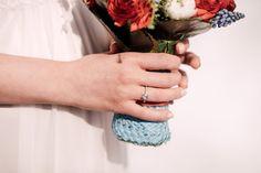 Maritimer Brautstrauß Freie Trauung Hochzeitslokation Kirche Who is wedding Hochzeitsplanung Marina Meierhans weiß blau rot Verlobungsring