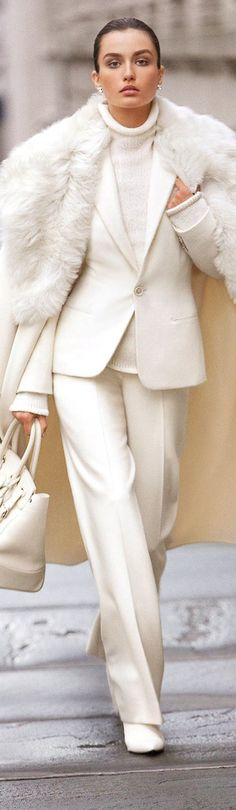 Wonderful in white. Ralph Lauren via @rjaho1. #white #RalphLauren