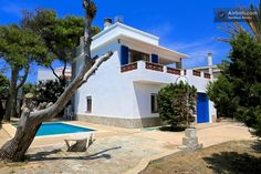 Chalet with Pool and Sea Views a Cala Blanca