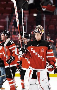 Zach Fucale salutes.   Team Canada -World Junior Championships 2015 (Hockey Canada)