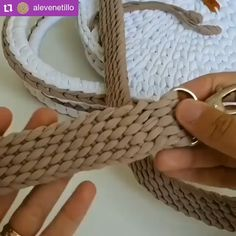 "Perfect strap for your crochet bag, don't you think? 💝💝💝, 👉 If you liked this tip say ""LIKE"" in the comments ! ⠀ ❤It helps us to know what to post here for you ! 😍 ⠀ ⠀ ⚠Before scrolling the screen GIVE YOUR. Crochet Belt, Crochet Basket Pattern, Crochet Diy, Crochet Motifs, Crochet Crafts, Crochet Stitches, Crochet Projects, Crochet Patterns, Beginner Crochet"