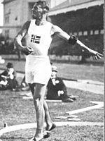 Helge Lovland | Helge Løvland. Guld i tiokamp 1920 Antwerpen.