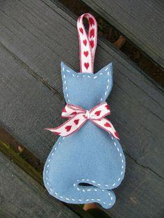 Boldog cica, Dekoráció, Dísz, Egy boldog cicát készítettem :) Magassága 13 cm + az akasztója. Kedves ajándék lehet macskar..., Meska