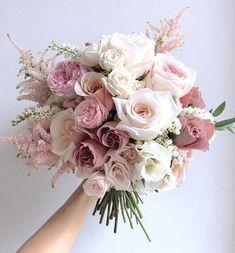 The Best Pink And Green Wedding Ideas – MyPerfectWedding Bride Bouquets, Flower Bouquet Wedding, Rose Wedding, Spring Wedding, Floral Wedding, Wedding Colors, Dream Wedding, Wedding Day, Pink Bouquet