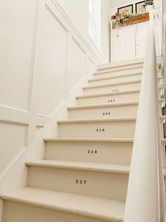 Numbered Stairs - Farmhouse Stairway Makeover Sitting in a detached house is . Numbered Stairs – Farmhouse Stairway Makeover Sitting in a detached house is an incredibly gre Cottage Stairs, Farmhouse Stairs, White Farmhouse, Farmhouse Style, White Cottage, Farmhouse Ideas, Vintage Farmhouse, Country Style, Farmhouse Decor