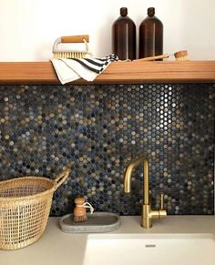 Our customer created this beautiful splashback with the Broadwater dark blue mixed penny round tiles and anthracite grout. We love the timber contrast! Blue Penny Tile, Penny Tile Floors, Penny Round Tiles, Mosaic Bathroom, Downstairs Bathroom, Kitchen Mosaic Tiles, Splashback Tiles, Reno, Dark Blue