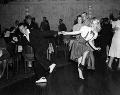 Lindy Hop by jannyshere Swing Jazz, Swing Dancing, Ballroom Dancing, Lindy Hop, Dance Images, Dance Photos, Shall We Dance, Lets Dance, Tango