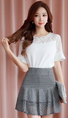 StyleOnme_Two Tier Mini Lace Skort #cute #sweet #feminine #koreanfashion #kstyle #kfashion #seoul #skirt #summertrend