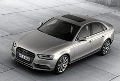 """Audi A4 – Restyling di metà carriera  Dopo la A5, presentata Salone di Francoforte, arriva l'aggiornamento di mezza vita anche per la A4 che è apparsa per la prima volta di fronte al pubblico d'oltreoceano al Naias di Detroit Dal nuovo frontale con la calandra """"single frame"""" di forma..."""