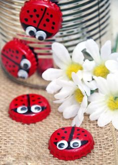 Need an easy upcycled craft idea? Make bottle cap magnet lady bugs! Need an easy upcycled craft idea? Make bottle cap magnet lady bugs! This is an easy craft for kids on Earth Day or whenever you need a spring craft idea! ideas For Kids Diy Crafts How To Make, Easy Crafts For Kids, Creative Crafts, Diy For Kids, Children Crafts, Recycled Crafts For Kids, Creative Ideas, Diy Ideas, Simple Crafts