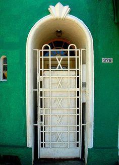 Porta branca by Paulo Heuser, via Flickr  Brazil