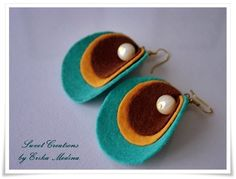 Items similar to felt earrings , oyster turquoise . on Etsy - felt earrings , oyster turquoise . via Etsy. Diy Earrings, Leather Earrings, Leather Jewelry, Textile Jewelry, Fabric Jewelry, Jewellery, Felt Diy, Felt Crafts, Jewelry Crafts