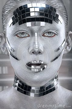 Creative silver makeup with mirror shatters by FlexDreams on PhotoDune. Creative silver makeup with mirror shatters Robot Makeup, Alien Makeup, Makeup Inspo, Makeup Inspiration, Futuristic Makeup, Futuristic Robot, Eye Makeup Cut Crease, Silver Makeup, Creative Fashion Photography