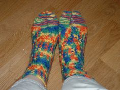 Crocheted Tabi socks!  Been looking for this, yay!  Treasures Made From Yarn: Crocheted Thong Sock Pattern