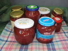 Krížikové vyšívanie Salsa, Jar, Food, Essen, Salsa Music, Meals, Yemek, Jars, Eten