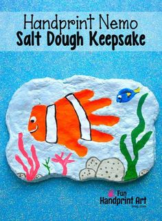 Calling all FInding Nemo fans! Here& an easy tutorial for creating a Nemo Handprint Plaque from salt dough inspired by this loveable character! Animal Crafts For Kids, Easy Crafts For Kids, Summer Crafts, Projects For Kids, Fun Crafts, Art For Kids, Fingerprint Crafts, Footprint Crafts, The Good Dinosaur