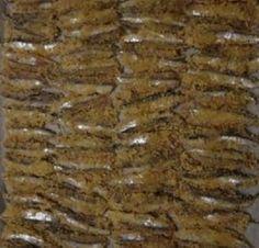 ALICI GRATINATE - www.iopreparo.com: sono facili da preparare e ottime in ogni occasione: un antipasto stuzzicante e appetitoso. Le alici hanno un sapore forte e deciso. In questa ricetta sono gratinate con il pangrattato profumato con la menta, l'origano, ed i capperi. Tipico della Puglia.