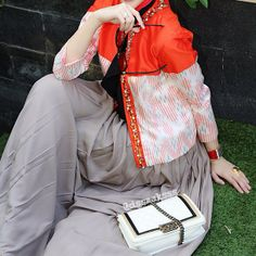 Dsaks Blogger | Hijab | Hijab Fashion | Hijab Style | Hijab Dress | Hijab Trend | Hijab Inspiration | Hijab Street Style | SYULA | www.syula.com