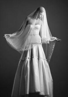 Bellísima colección 2014 de vestidos de novia de la firma CELESTINA AGOSTINO.