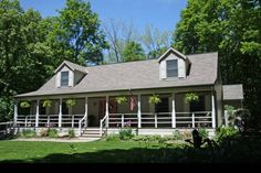 Arbor Inn Bed & Breakfast, Put-in-Bay. Peaceful, ideal for a a place to unwind or enjoy a romantic getaway.