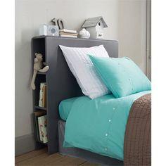 Oltre 1000 idee su design camera da letto piccola su - Testiera letto libreria ...