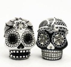 Day of the dead black and white skulls
