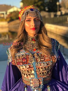 Source by rizviusma Balochi Dress, Ball Gown Dresses, Traditional Fashion, Traditional Dresses, Western Outfits, Indian Outfits, Afghani Clothes, Long Dress With Slit, Modern Hijab Fashion