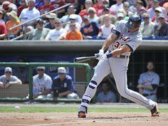 Steven Moya singles in the second inning, 03/10/2015