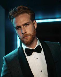 Big Challenge, Mens Fashion Suits, Suit And Tie, Trending Topics, Black Tie, A Good Man, Dapper, Hot Guys, Challenges