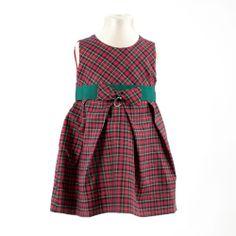 ◈ Vestido em Tartan vermelho e verde, com aplicação de fita de gorgorão na cintura. ◈ O vestido é personalizado com uma letra que pode ser escolhida pelo cliente. [Composição: exterior: 100% algodão * forro: 100% poliéster * letra personalizada: metal * fita de gorgorão: 100% poliéster] - [Tamanhos: 68cm - 74cm - 80cm - 86cm - 92cm]